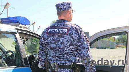 В Йошкар-Оле росгвардейцы помогли спасти жильцов дома при пожаре - 11.06.2021
