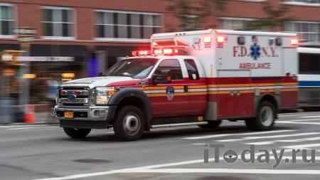 Неизвестный на автомобиле протаранил здание клиники в Пенсильвании