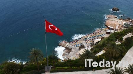 Украинская модель трагически погибла в Турции после ссоры с возлюбленным