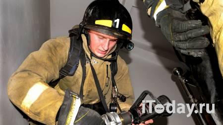 В Екатеринбурге загорелись склады и несколько домов - 13.06.2021