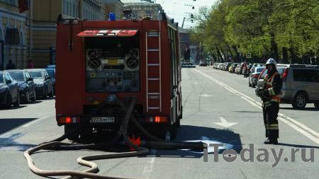 В центре Петербурга загорелась кровля дома - 25.07.2021