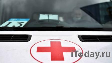 В Москве водитель автобуса пострадал в ДТП у главного здания МГУ - 27.07.2021