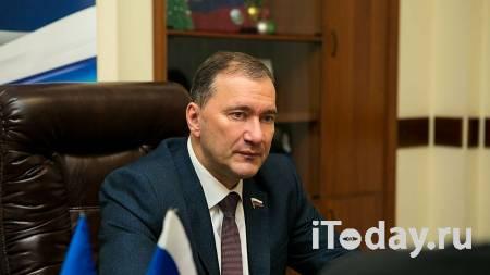 В Госдуме предположили причину увольнения командующего ВСУ Хомчака - 27.07.2021