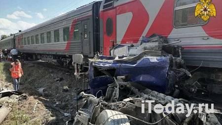 Поезд, столкнувшийся с грузовиком под Калугой, продолжил движение в Москву - 31.07.2021