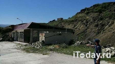 В Дагестане оползень перекрыл дорогу между районами - 03.08.2021