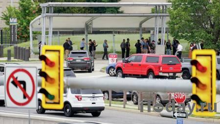 Угрозу на месте стрельбы у Пентагона устранили