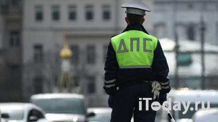 На севере Москвы мужчина с пистолетом напал на сотрудников ДПС