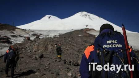 Тела трех альпинистов спустили с Эльбруса на высоту 5100 метров - 26.09.2021