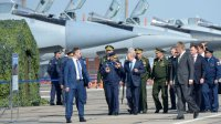 Путин поручил создать три авиаполка Су-57